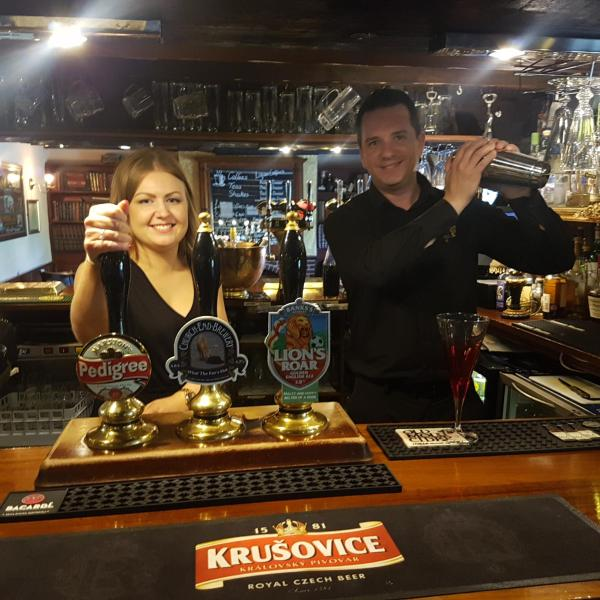 Hotel Pictures: The Royal Arms Hotel, Sutton Cheney