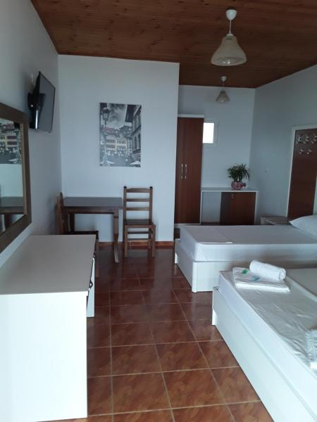 Foto Hotel: Hotel Riviera, Qeparo