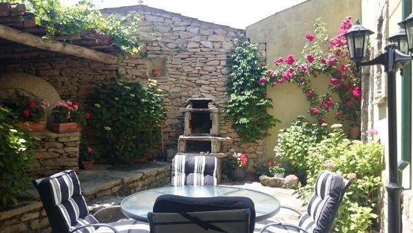 Hotel Pictures: La Fuente Y Zapatero, Trabanca