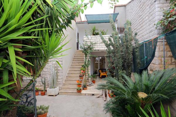 Hotel Pictures: Apartments Marija, Supetar