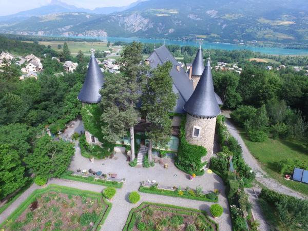 Hotel Pictures: Chateau De Picomtal, Crots