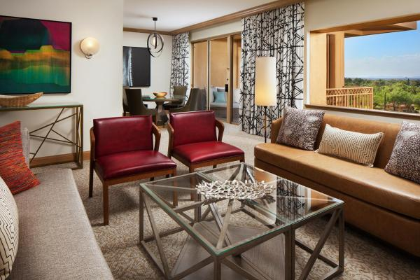 Canyon King Suite