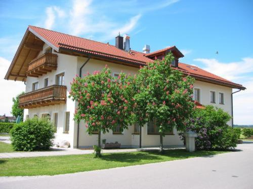 Hotel Pictures: Pension Demmel, Bruckmühl