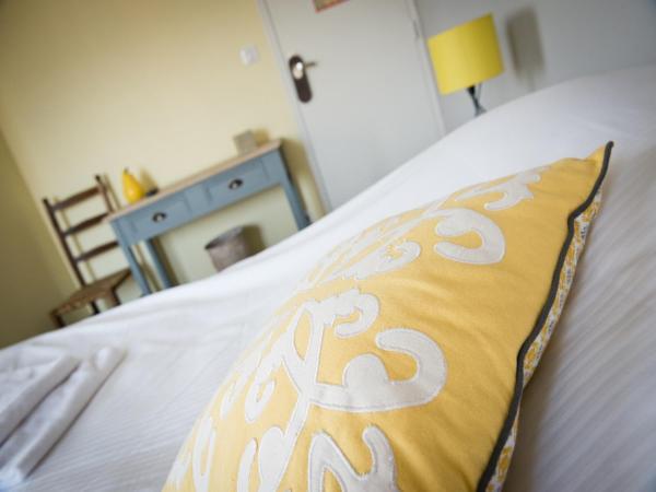 Hotel Pictures: Hotel Restaurant Le Relais Fleuri, Vervins