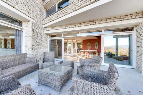 Hotel Pictures: Villa in the heart of Luberon, Saint-Pantaléon