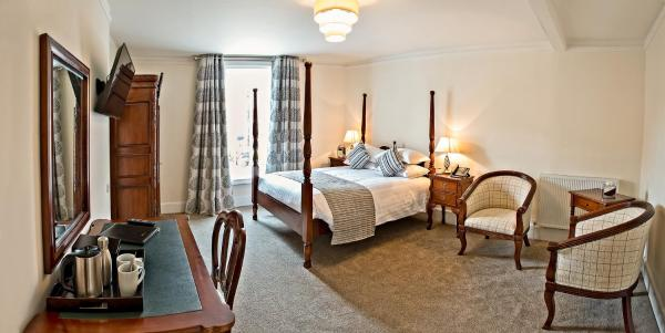 Hotel Pictures: The Bishops Table Hotel, Farnham