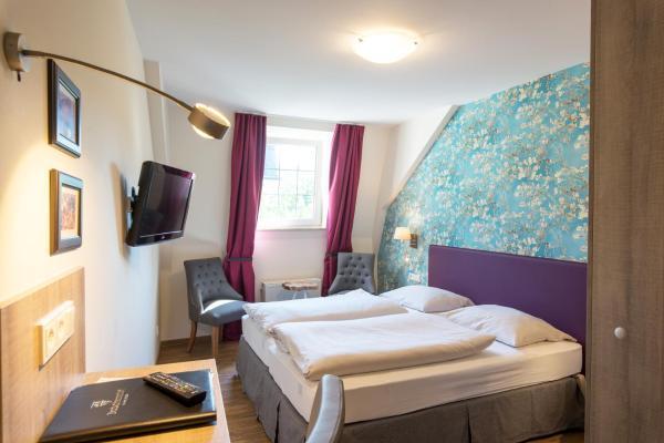 Hotel Pictures: Hotel Deutschherrenhof, Zeltingen-Rachtig