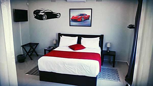 Hotel Pictures: Speedway Court, Gaborone