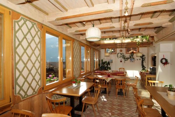 Foto Hotel: Gasthof Dorfschenke, Stall