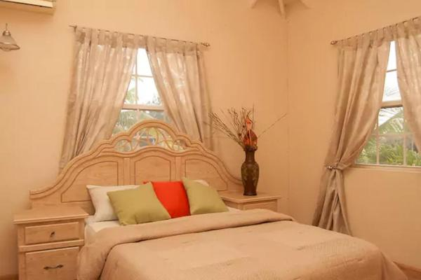 Hotelbilder: Stylish Villa-Country feel - 3 Ensuite Bedrooms, Saint Michael