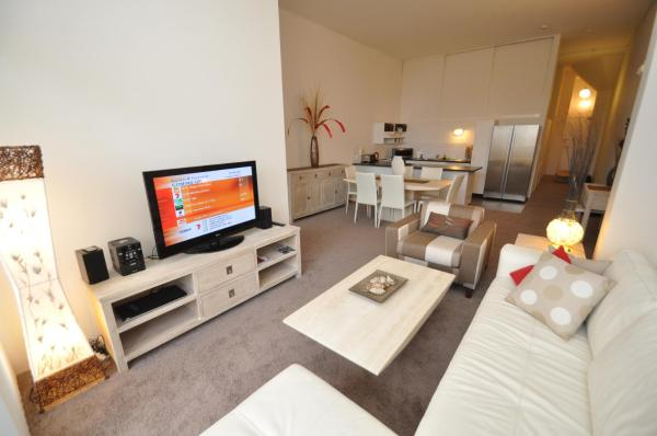Zdjęcia hotelu: Camperdown Self-Contained Modern Two-Bedroom Apartment (517MIS), Sydney