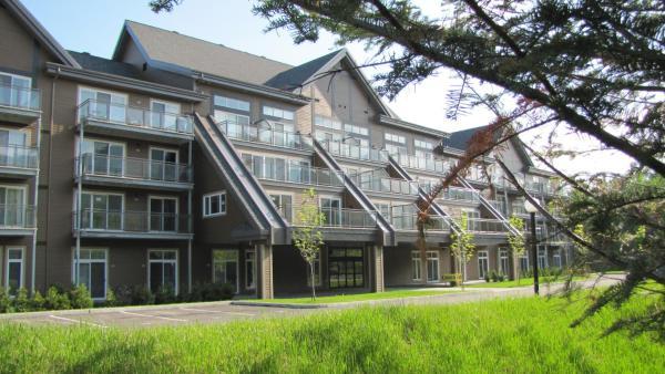 Hotel Pictures: Condos Hôtel Val-des-Neiges - Le Céleste, Beaupré