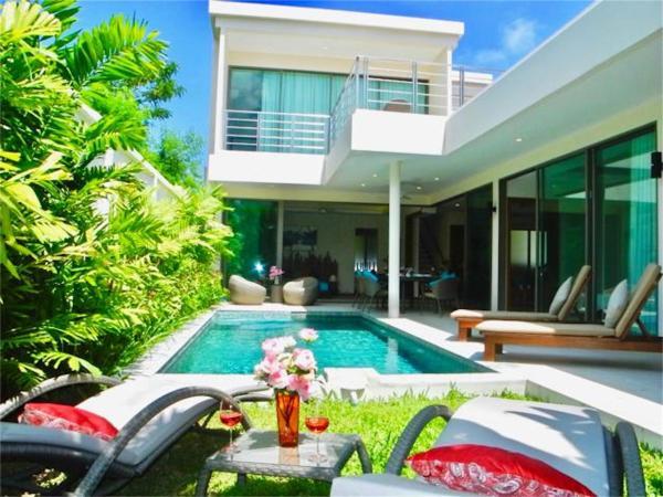 Hotellbilder: Rawai Superb Ka Villa 4 bedrooms, Rawai Beach