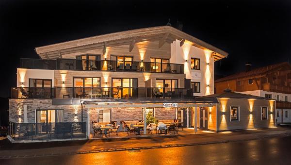 Foto Hotel: Kristall Plaza, Niederau