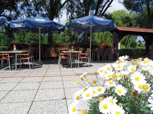 Hotel Pictures: Uschi's Gasthof, Neuendorf