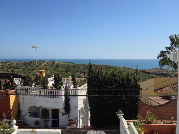 Hotel Pictures: La Casita Verde, Benajarafe