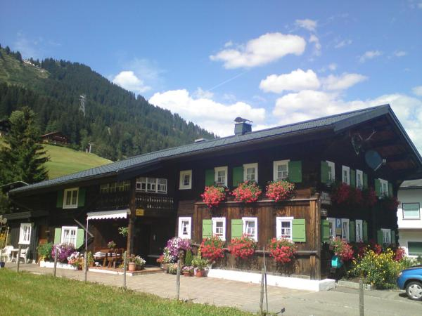 Hotel Pictures: Schusterhof, Mittelberg
