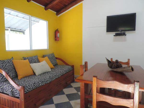 """Fotos do Hotel: Bungalows Termas de Concordia """"El Pinar"""", Concordia"""
