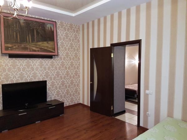 酒店图片: Apartment on Alleya Geroyev 4, 伏尔加格勒