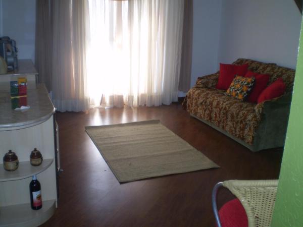 Hotel Pictures: Quarto Privativo em Apartamento Confortável, Curitiba