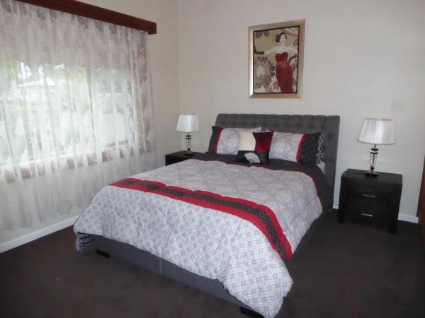 Hotel Pictures: 118 Jubilee Highway east, Mount Gambier