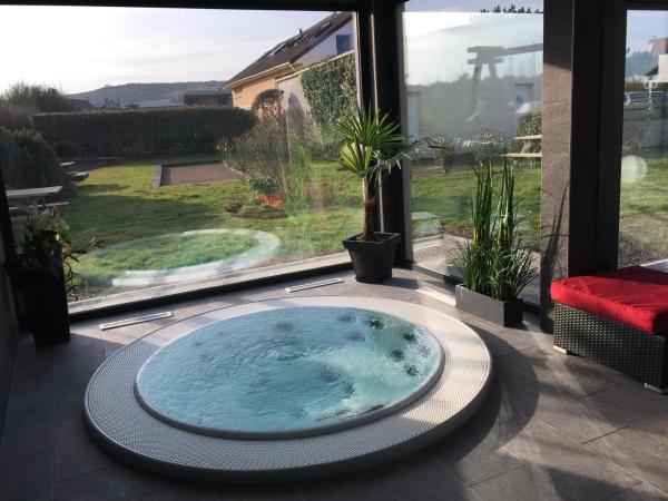 Hotel Pictures: La Goëlette, Sangatte