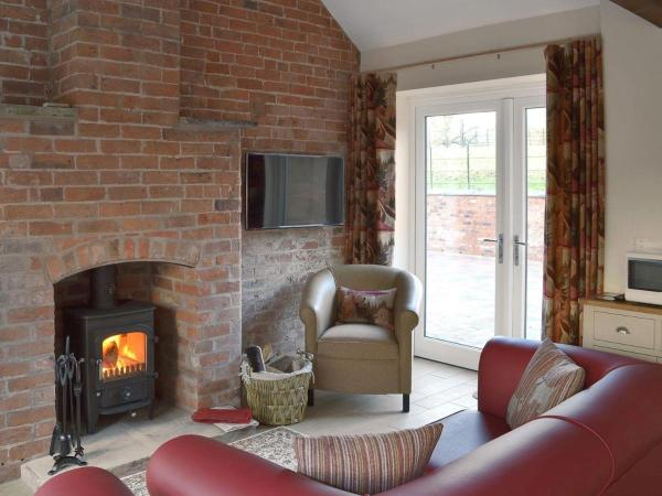 Hotel Pictures: Betley Court Farm 2, Betley
