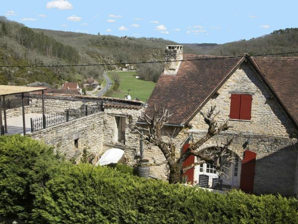 Hotel Pictures: Holiday home Compostella 2, Saint-Médard