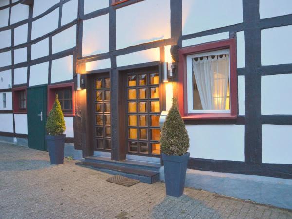 Hotel Pictures: Engel, Einruhr