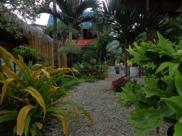 Hotel Pictures: Ocean Blue Lodge, Olón