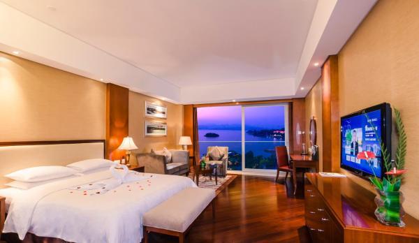 Hotel Pictures: 1000 Island Lake Greentown Resort Hotel, Thousand Island Lake