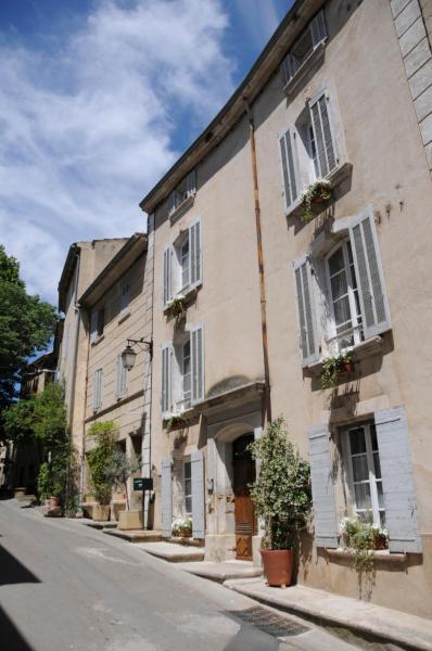 Hotel Pictures: Les Chambres De Charlotte, Cucuron