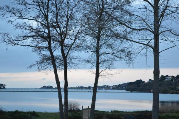 Hotel Pictures: Camping de la Baie de Térénez, Plouézoc'h