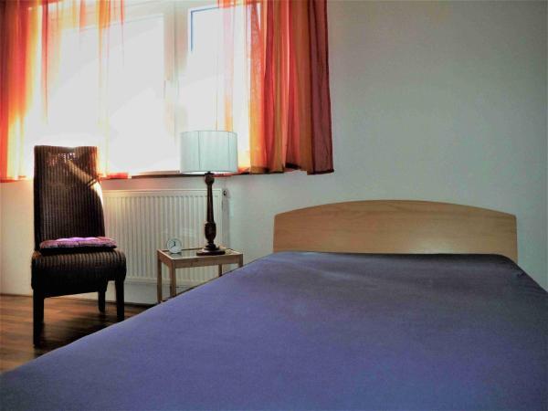 Hotel Pictures: Ferienwohnung am Uhlandsgarten, Tailfingen