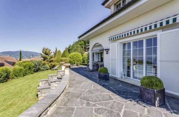 Hotel Pictures: Swiss Riviera Villa Blonay, Blonay