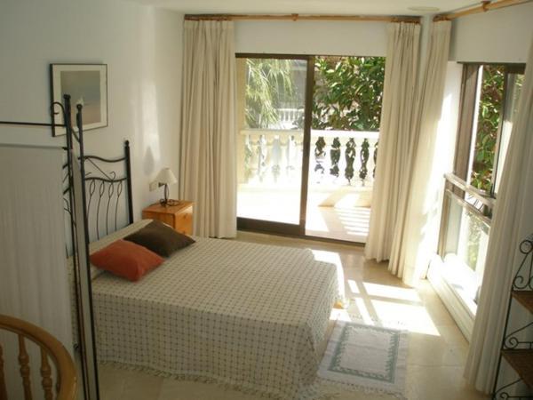 Hotel Pictures: Torreblanca Apartments, Torrenostra