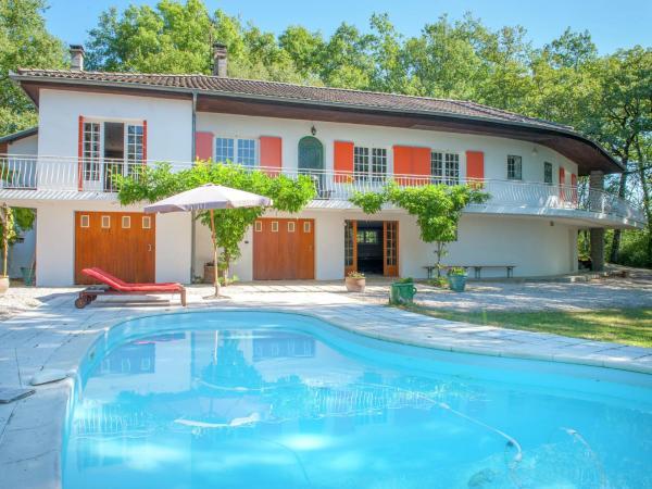 Hotel Pictures: Villa - Montmaurin, Montmaurin