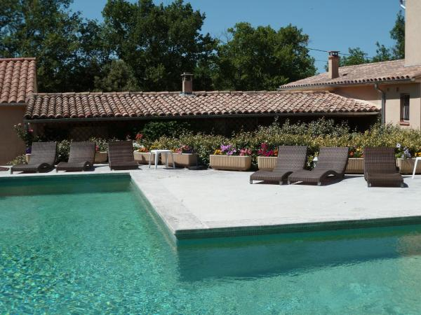 Hotel Pictures: La Saouvi, Lacoste