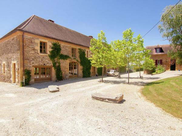 Hotel Pictures: La Guichardie, Saint-Médard-d'Excideuil
