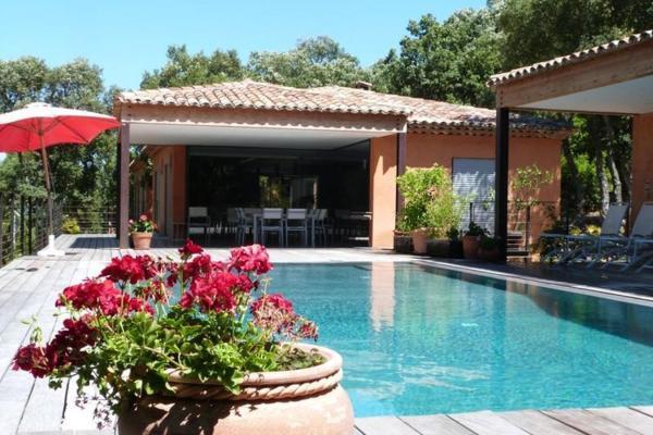 Hotel Pictures: Villa Terence / La Suberaie, Plan-de-la-Tour