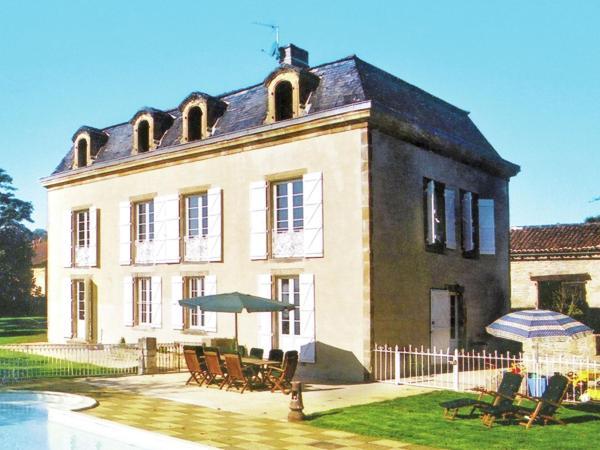 Hotel Pictures: Maison De Vacances - Capdenac-Le-Haut, Figeac