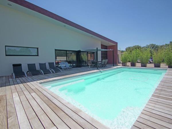 Hotel Pictures: Villa - Saint-Siffret, Saint-Siffret
