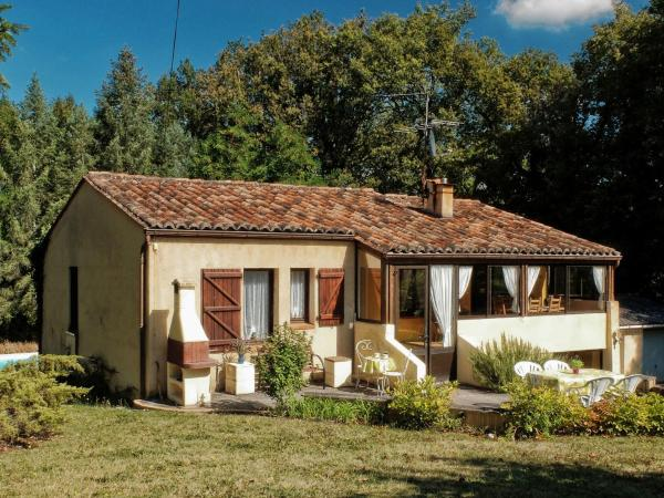 Hotel Pictures: Maison De Vacances - Anglars-Nozac, Anglars-Nozac