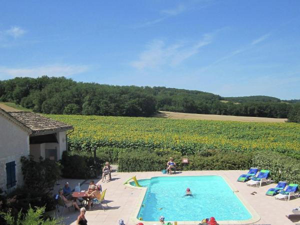 Hotel Pictures: Grange Mandarre, Saint-Beauzeil
