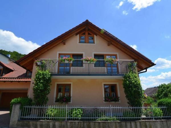 Hotel Pictures: Apartment Riedenburg Prunn Bavaria 1, Riedenburg