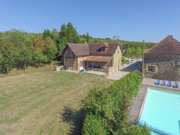 Hotel Pictures: La Guichardie Maison et Grange, Saint-Médard-d'Excideuil