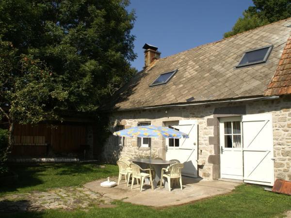 Hotel Pictures: Maison De Vacances - Saint-Merd-La-Breuille, Saint-Merd-la-Breuille