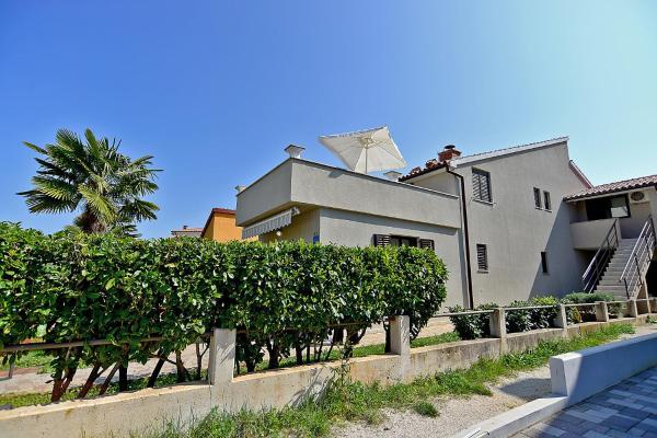 Foto Hotel: Apartments Drago 589, Fažana