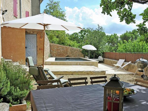 Hotel Pictures: La Vieille Poste, Varages