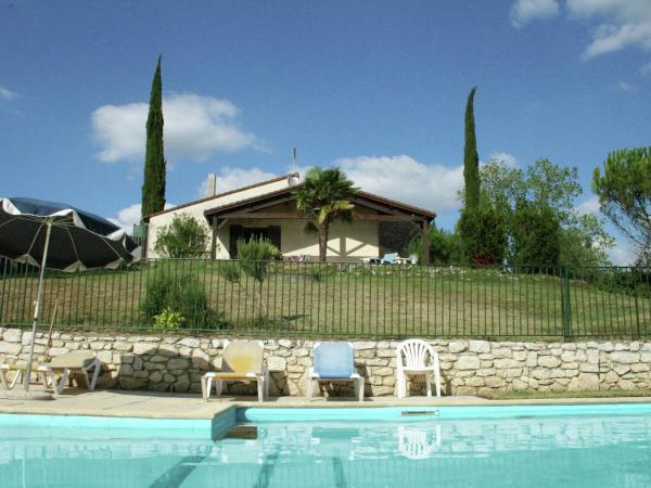 Hotel Pictures: Maison De Vacances - Cazes-Mondenard, Durfort